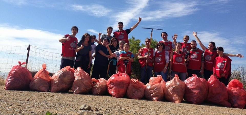 Voluntarios de grupo GEA limpian el Mirador de las Niñas