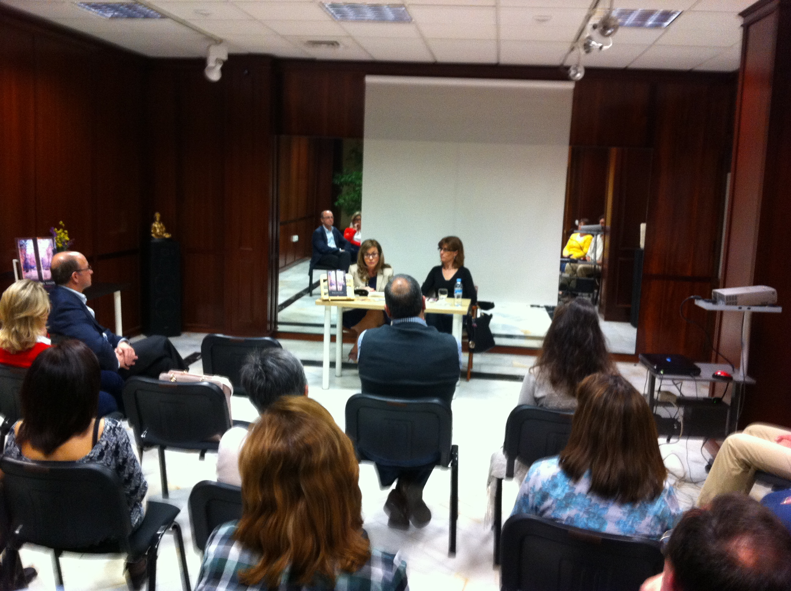 Presentación de la novela «Bajo los tilos», de María José Moreno